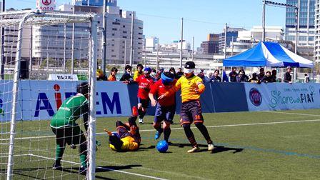 「ゴール前の攻防」